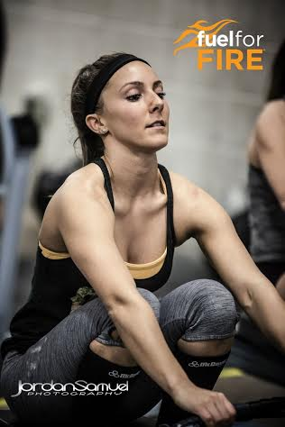 Krystle getting after the row in 14.4 Photo Courtesy of Jordan Samuel Photography.